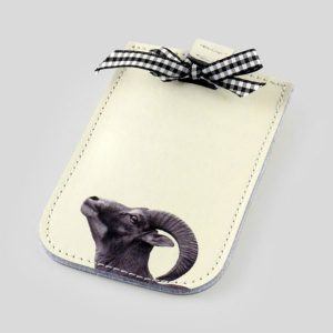 smart phone case decorated with a bow